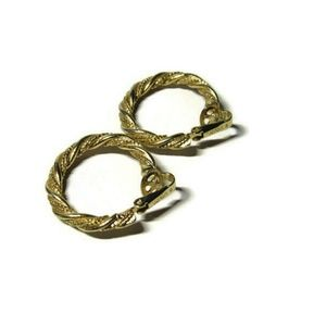 Avon Twist Textured Hoop Clip-On Earrings 1″